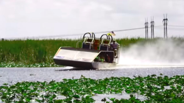 airboat tour video thumbnail image at Everglades Holiday Park