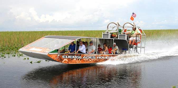 What is an Airboat Ride and How Does It Work? - Everglades Holiday Park